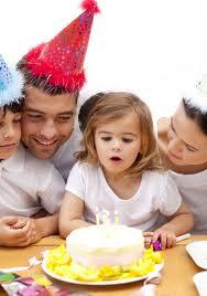 Festejar el cumpleaños de los hijos, aumenta su autoestima.